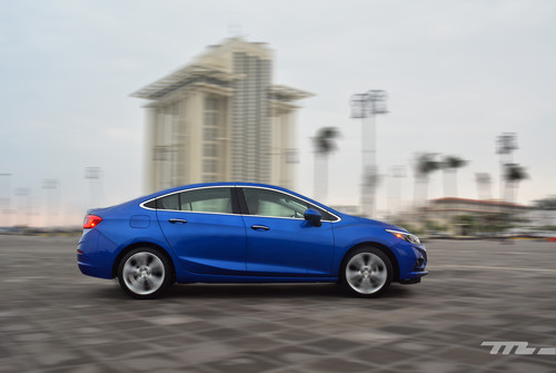 Manejamos el nuevo Chevrolet Cruze, ahora extrañamos un poquito menos al Astra