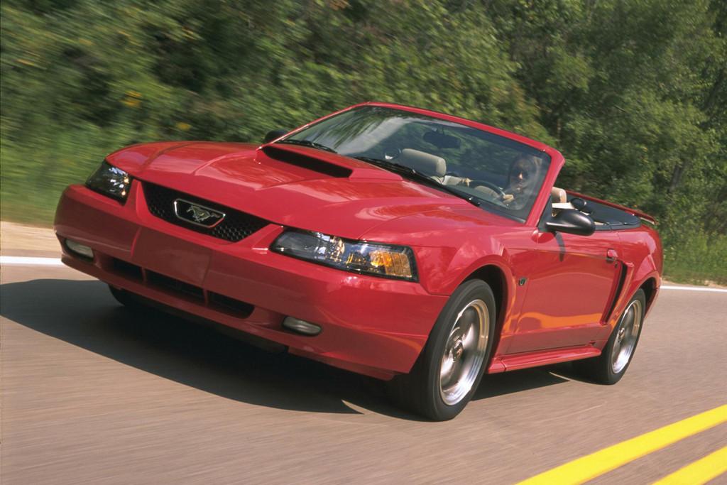 Foto de Ford Mustang: generación 1994-2004 (17/70)