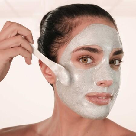 Alerta tendencia de belleza: mascarillas faciales en polvo DIY que se convierten en goma