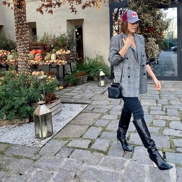 Si lo lleva Tamara Falcó es que podría viralizarse: las gorras son perfectas para un estilo casual, elegante y moderno