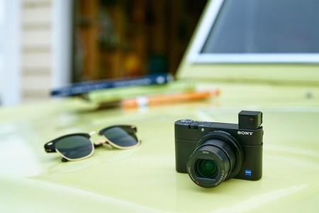 Sony RX100 IV, Panasonic Lumix GX880, Fujifilm X-T100  y más cámaras en oferta: Cazando Gangas Especial Día de la Madre
