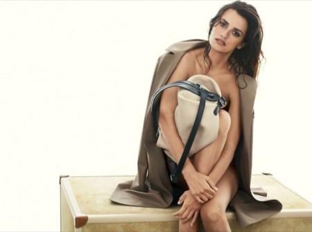 Penélope Cruz se desnuda para la campaña Loewe primavera-verano 2014