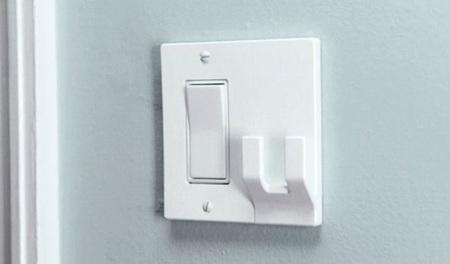 Wallplates, un gancho extra en el interruptor de la luz
