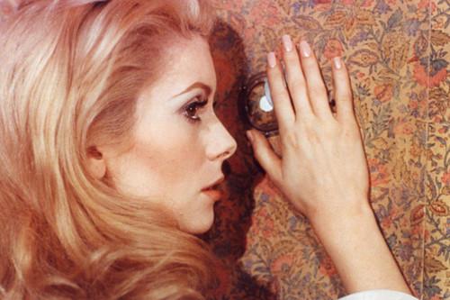Cuando Catherine Deneuve fue la gran musa del cine: del erotismo en 'Belle de Jour' a la pasión de 'Indochina'