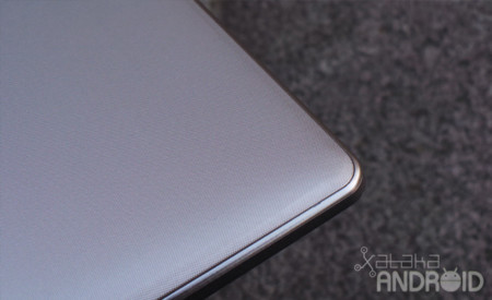 Lenovo Yoga Tablet trasera