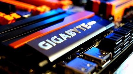 GIGABYTE podría superar a ASUS en venta de motherboards el Q1 de 2014