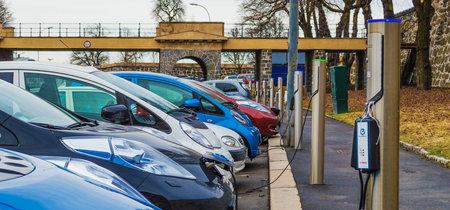 Noruega ya es el primer país del mundo donde más de la mitad de los coches vendidos son eléctricos o híbridos
