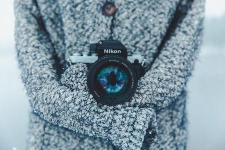 Ahí fuera está helando: Consejos para proteger nuestro equipo fotográfico de la nieve y el frío intenso