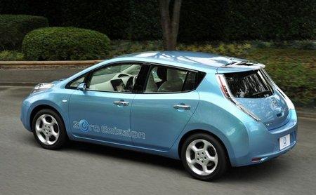 Un Nissan Leaf en la carrera hacia las nubes