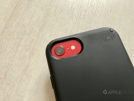 Probamos la funda Speck con protección antimicrobiana para iPhone SE