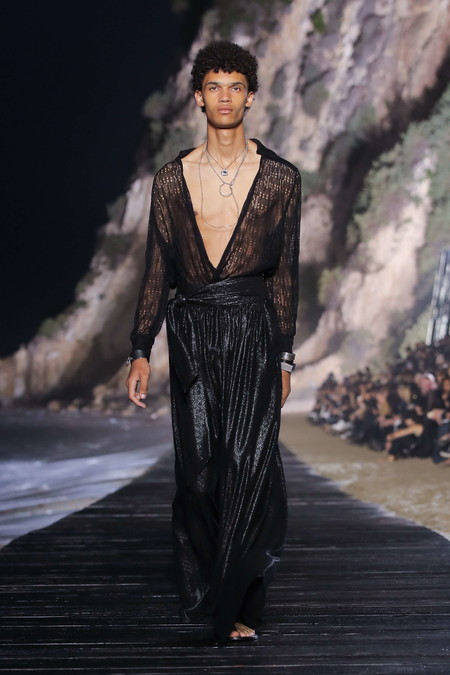 Black Deep V Neck Men Trend Spring Summer 2020 02