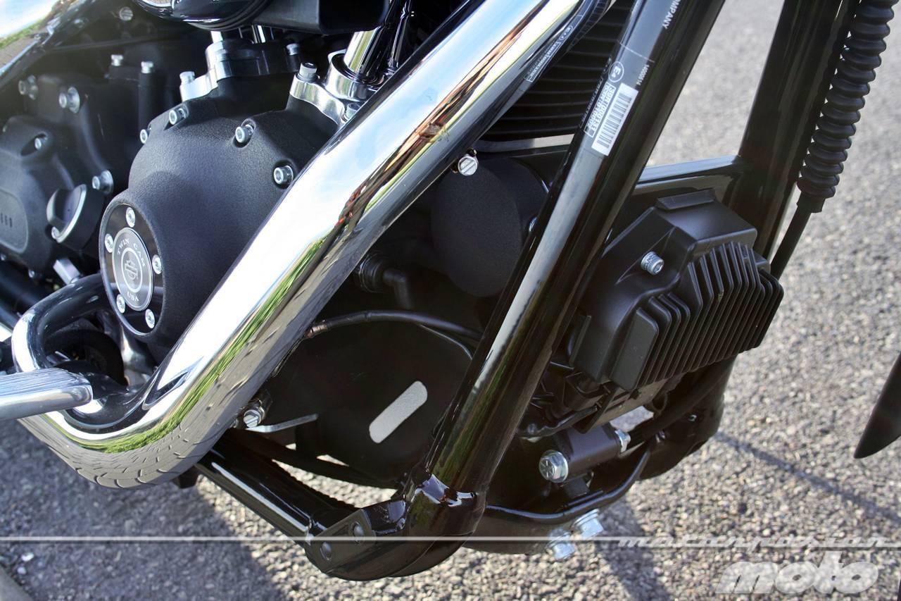 Foto de Harley Davidson DYNA Street Bob, prueba (valoración, ficha técnica y galería) (31/35)