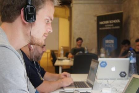 Tres extensiones y media para medir distancias en la web (reglas) que harán las delicias de los desarrolladores