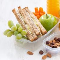 Cinco alimentos buenos para picar entre horas de manera saludable