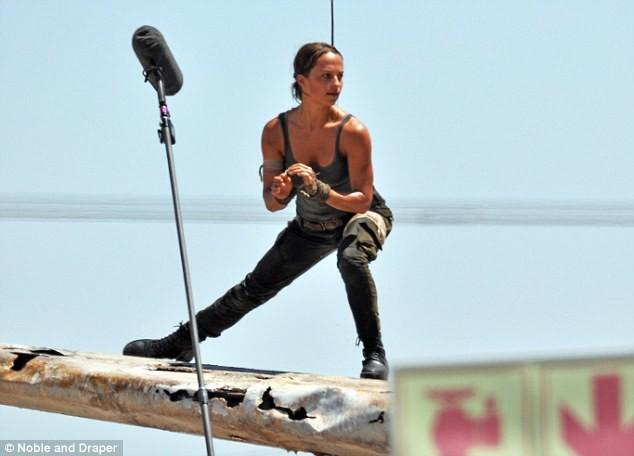 Foto de Alicia Vikander como Lara Croft (8/10)