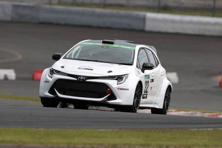 Toyota prueba su nuevo motor de hidrógeno en un circuito de carreras, pero tiene truco: es de combustión (y ruge)