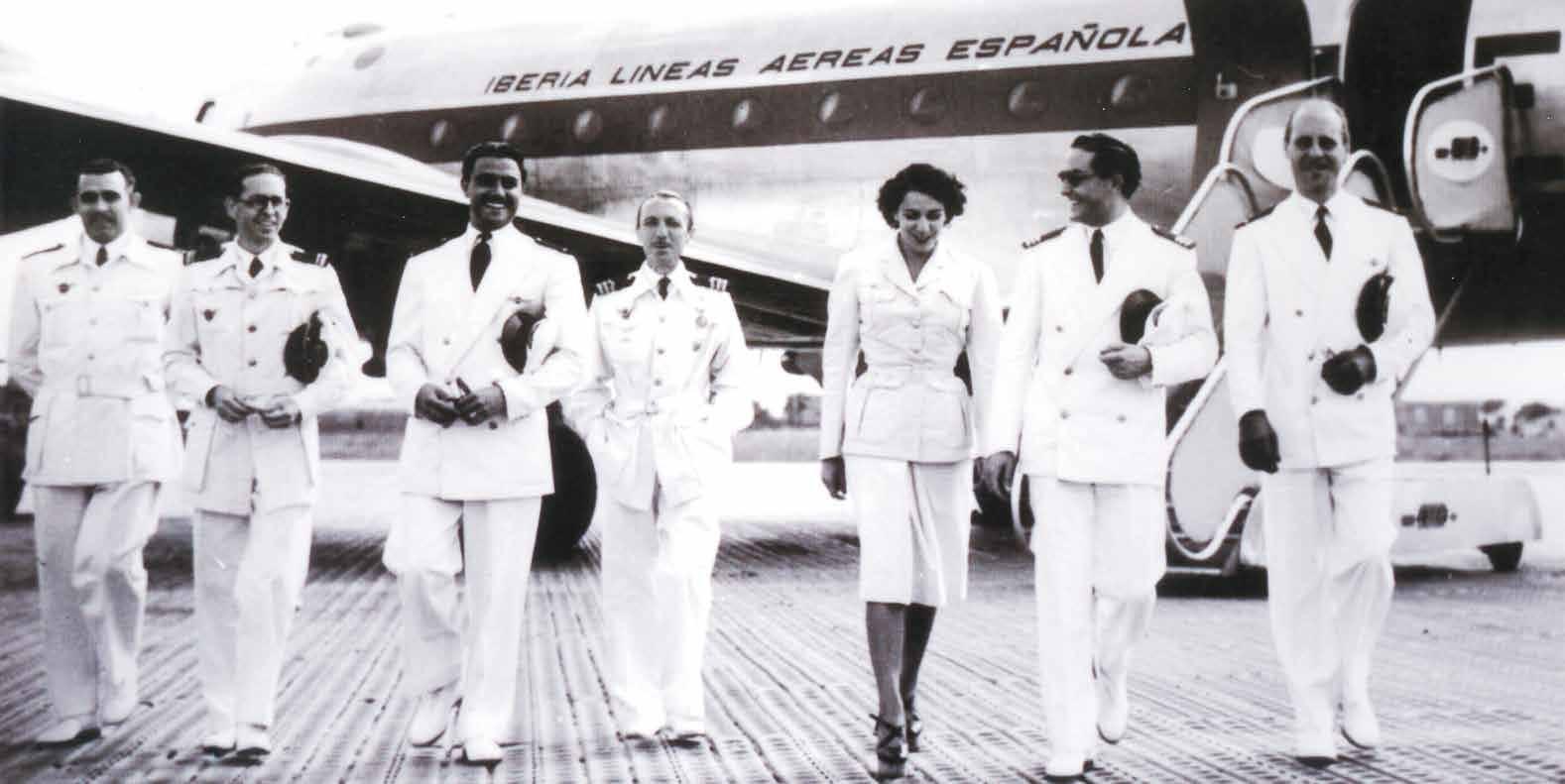 Foto de Histórico sobre los outfits de la tripulación de Iberia (3/11)