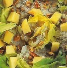 Cabrales con manzana en ensalada