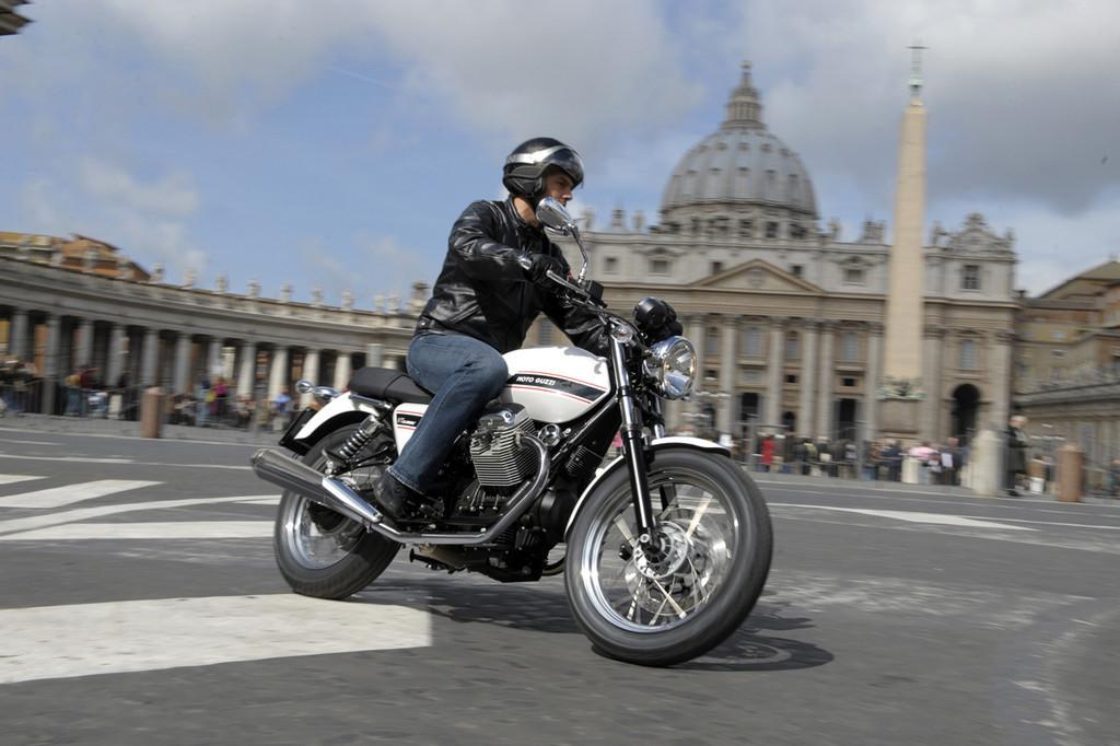Foto de Moto Guzzi V7 Classic (37/42)