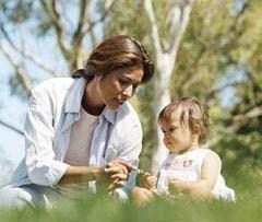 La madre, clave para vencer la timidez del niño