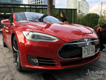 Tesla Model S Mexico 4