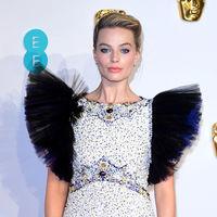 Margot Robbie arriesga (y gana) en los Premios BAFTA 2019