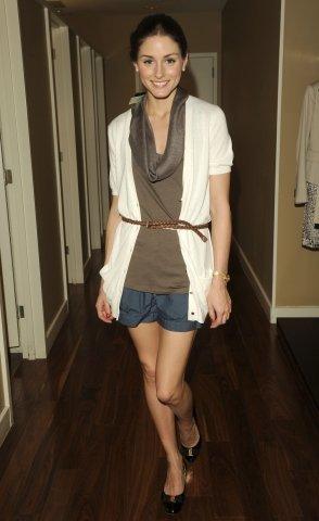 Consigue cinco looks de primavera con prendas básicas de Mango: Olivia Palermo te enseña cómo