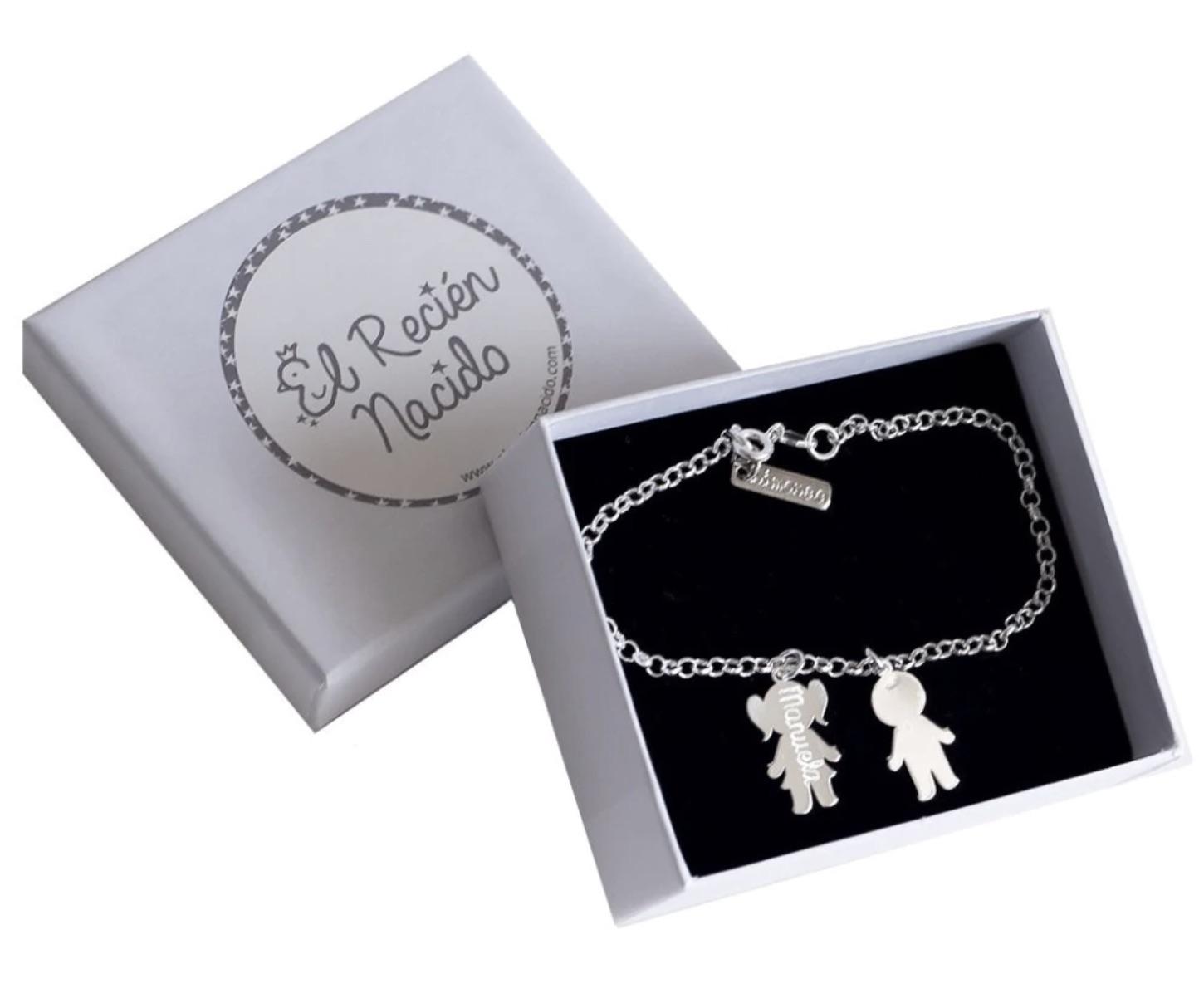 EL RECIÉN NACIDO  Pulsera de El Recién Nacido de plata para mamá con 2 siluetas de niño/a y sus nombres grabados