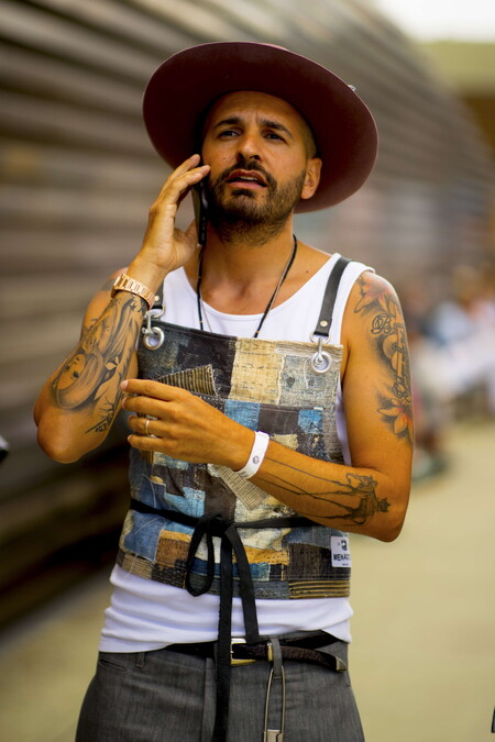 El Street Style De La Semana Confirma Que Los Sombreros En Todas Sus Formas Son El Complemento Cool De Tu Look De Verano 3