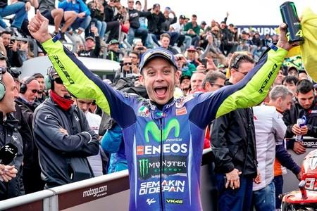 """Valentino Rossi: """"Los que vienen de Moto2 son muy agresivos y si este es el juego, jugaremos"""""""