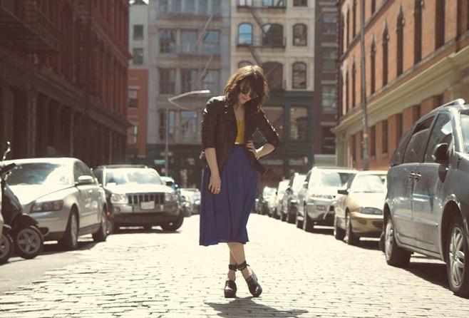 Foto de H&M sigue contando con las bloggers para su campaña de los zuecos de Swedish Hasbeens (19/20)