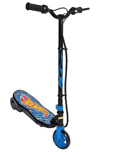 Oferta flash en el patinete eléctrico M&O Hot Wheels: hasta medianoche cuesta 59,90 euros en Amazon