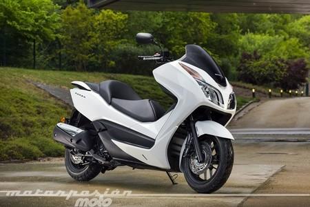 Honda NSS300 Forza, prueba (características y curiosidades)