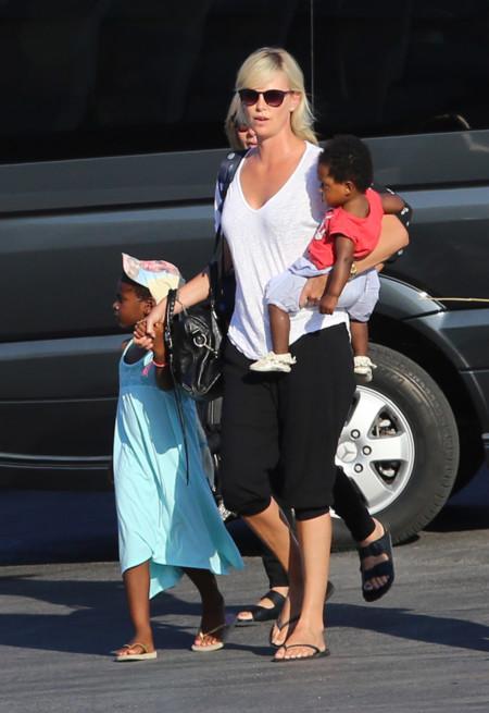 Charlize E Hijos