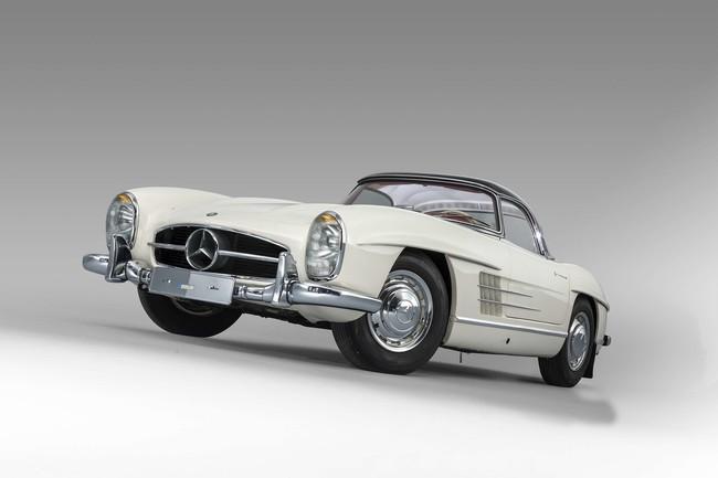 Alguien pagó 70 MDP por este Mercedes SL300, porque el mundo no entiende de excesos