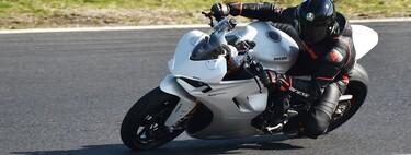 Las normas básicas de seguridad para rodar en circuito con tu moto sin que termine en tragedia
