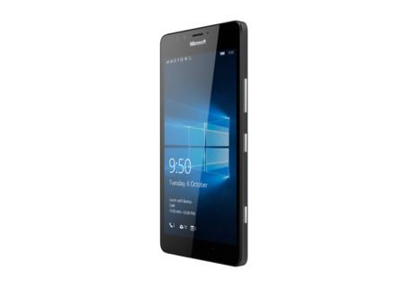 Lumia 950 Black Angleright Dsim