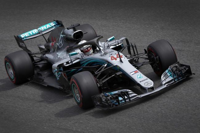 Lewis Hamilton le roba a Ferrari la victoria en su gran premio de casa en Italia