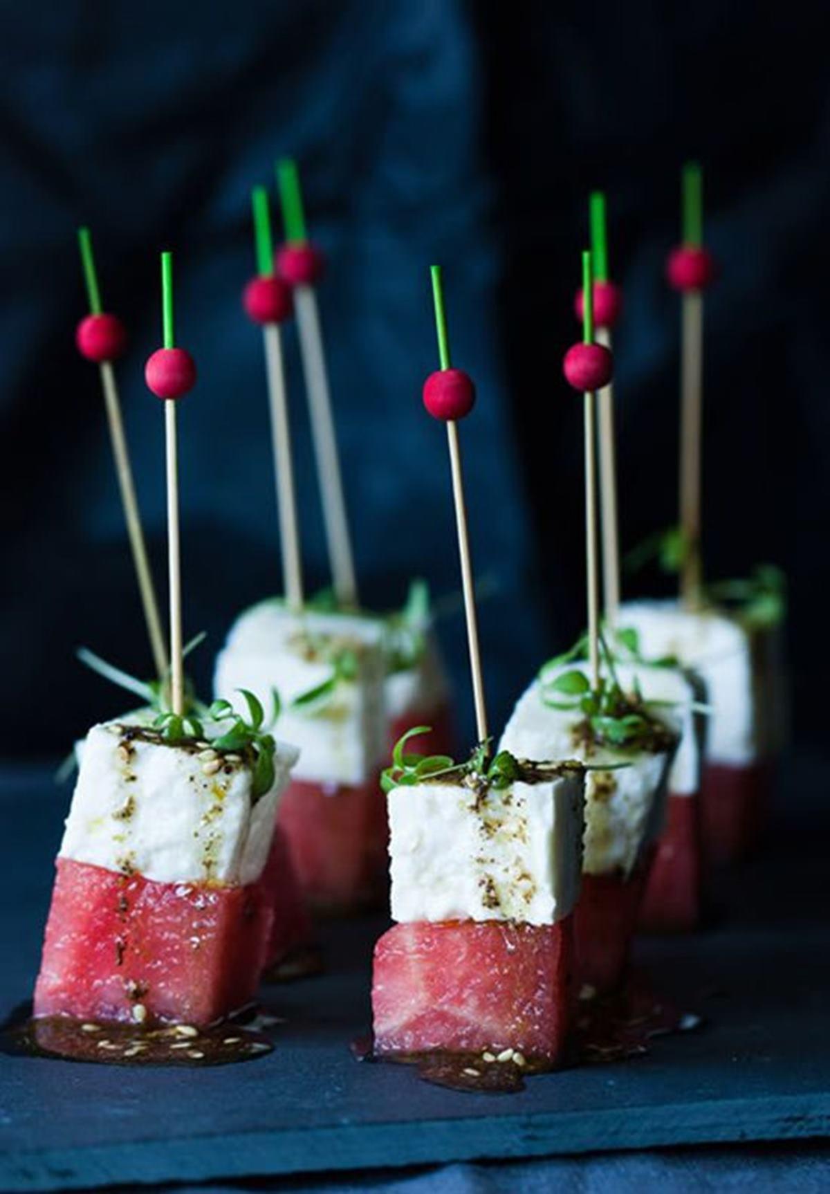 Finger food once recetas perfectas para una fiesta con c ctel for Decoracion de canapes