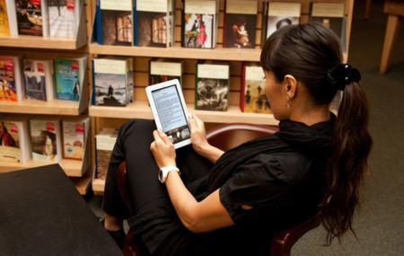 El préstamo de libros en lectores electrónicos arrasa en Reino Unido
