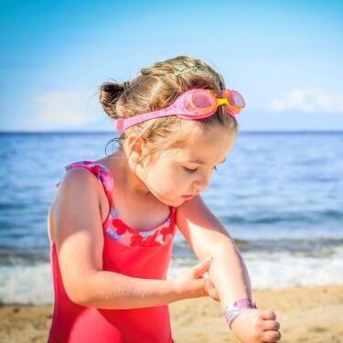 Cómo proteger a bebés y niños de los rayos del sol, además de usar cremas solares