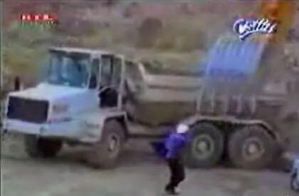 Capataz, no vaciles al de la excavadora