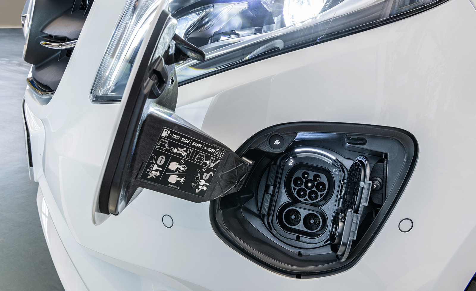 Foto de Mercedes-Benz eVito Tourer 2020 (1/12)