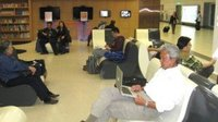 Biblioteca electrónica en un aeropuerto