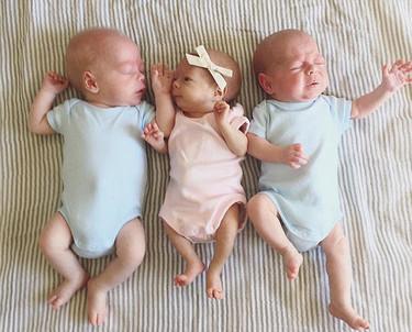Decisiones difíciles durante el embarazo: ¿seguir adelante y perder a la niña o tenerlos a los tres muy prematuros?