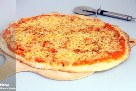 Pizza con salsa de tomates asados. Receta