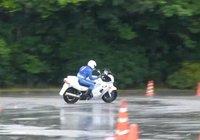 Ghimkhana japonesa, lloviendo es aún más divertido