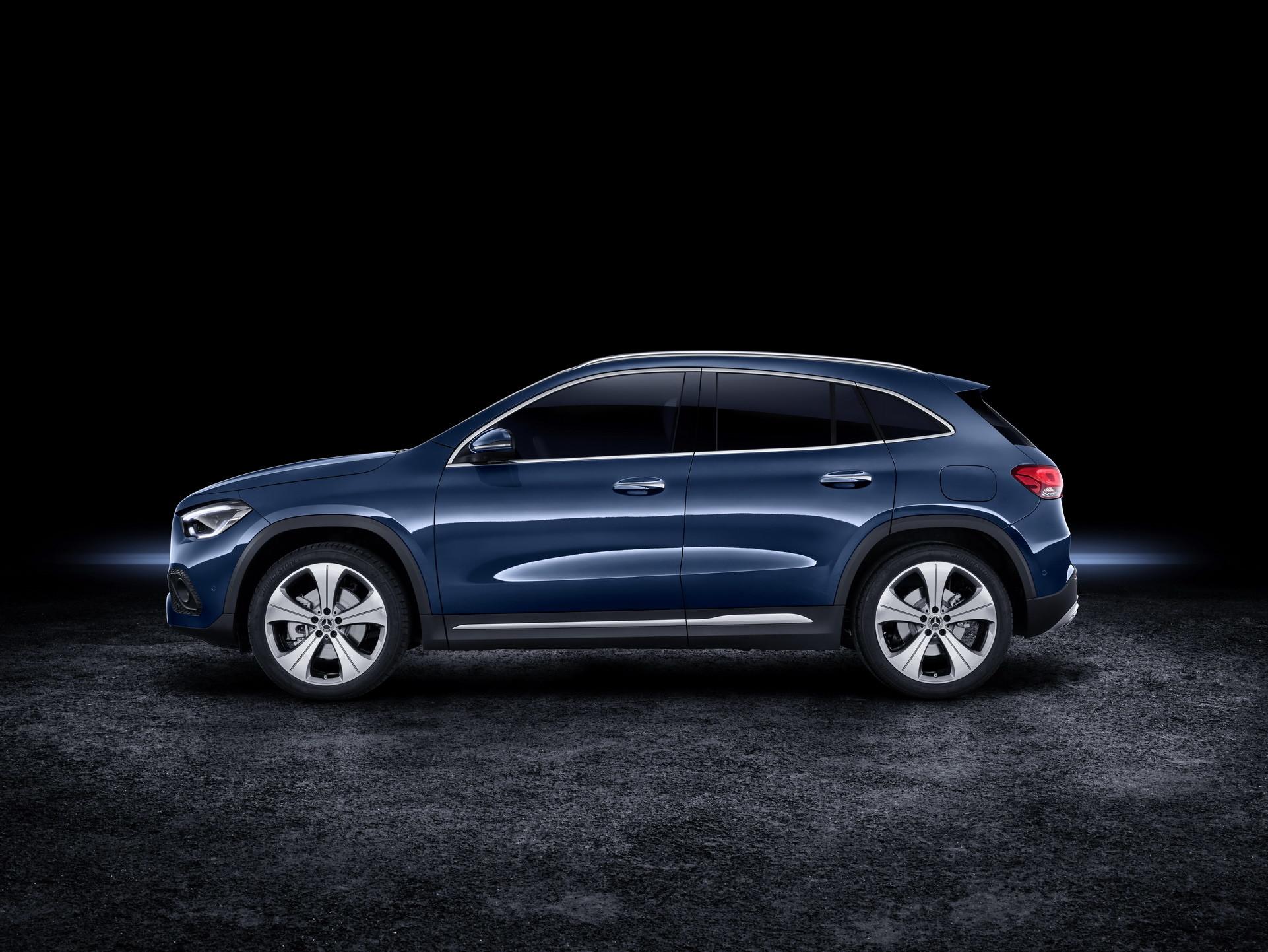 Foto de Mercedes-Benz GLA 2021 (77/103)
