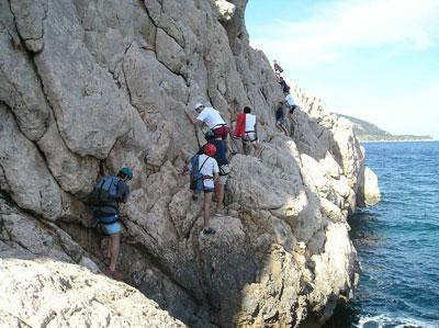 Opciones para estar en forma en verano: Coasteering