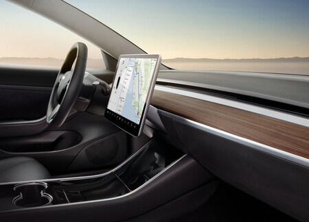 Tesla Model 3 2018 1600 15